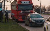 В Днепре в припаркованной фуре нашли мертвого водителя