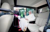 Папа Римский обзавелся электромобилем (ФОТО)