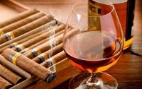 Стало известно, где в Украине больше всего курят и пьют