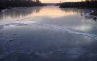 Четыре рыбака и ребенок застряли на харьковском водохранилище