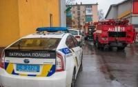 В Днепре вспыхнула частная клиника, эвакуированы люди