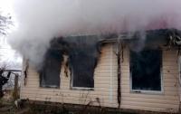 Масштабный пожар под Киевом: погибли хозяева дома