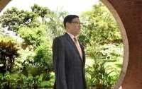 Министр выложил в Facebook 10 тыс. фото и стал звездой сети
