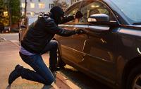 Житель Херсона вскрывал автомобили ножницами