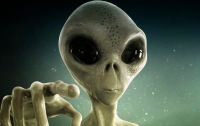 На спутнике Земли обнаружен инопланетянин в шлеме и за рулем