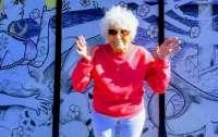 103-летняя бабуля сделала тату и прокатилась на байке