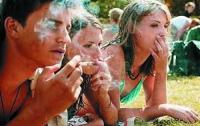 Реклама табачных изделий помогает стать курильщиком