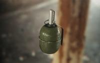 Киевлянину в автомобиль подбросили гранату
