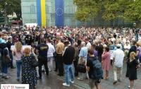 Мэра Труханова просят уйти в отставку - таково требование одесситов, вышедших на улицы города