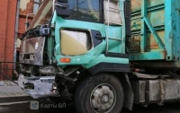 Масштабная авария в России: грузовик разбил 20 авто (видео)