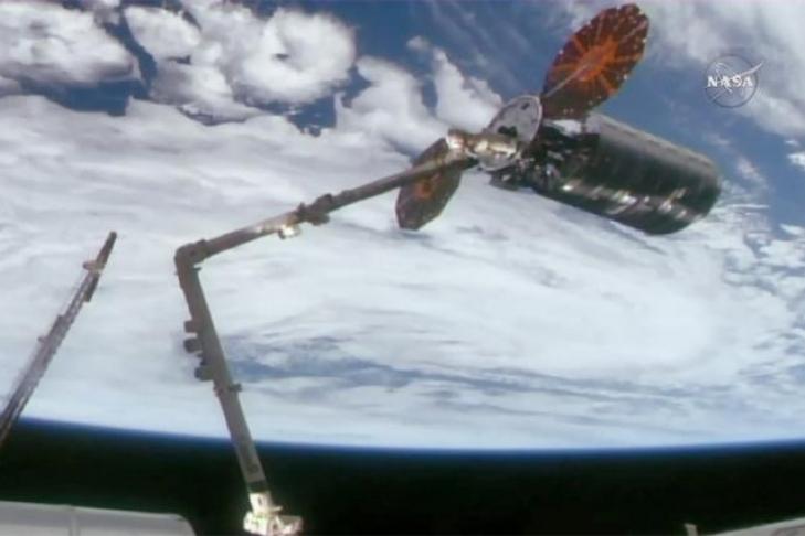 Космический грузовой автомобиль Cygnus благополучно пристыковался кМКС