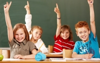 Журналисты решили разобраться, почему ребенка не угостили тортом в школе