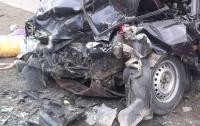 Харьковские спасатели вырезали из авто жертву смертельного ДТП