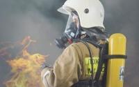 Масштабный пожар в Киеве: горит электроподстанция (видео)