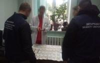 Обыски в киевском Институте рака: врачей изобличили в массовом взяточничестве
