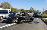 ДТП в Киеве: два человека погибли, еще четверо - травмированы (видео)