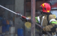 Пожар в жилом доме в Киеве: пострадала женщина
