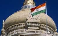 Индия выдворила половину дипкорпуса посольства Пакистана