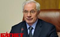 Азаров опять схитрил: очередей в аптеках нет из-за запасливости дистрибьюторов