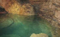 На Донетчине спелеологи нашли уникальное подземное озеро