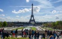 Во Франции продлили чрезвычайное положение до ноября