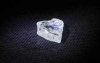Геологи нашли алмаз в форме сердца