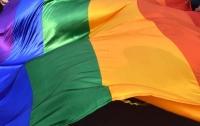 Священник в США лишился поста за сеанс экзорцизма над флагом ЛГБТ