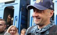 Во Львове трогательно встретили освобожденного моряка