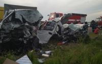 Смертельное ДТП под Одессой: четыре человека погибли, один госпитализирован