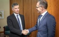 Главы МИД Германии и Украины встретились неофициально