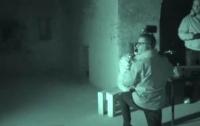 Призрак почесал спину оператору, который в него не верил (видео)
