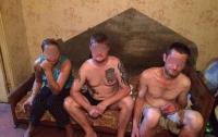 Полиция схватила 3 банды наркоторговцев за несколько дней
