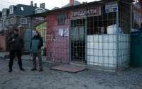 В Киеве продавщица магазина нанесла мужчине 12 ножевых ранений