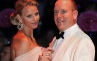 Роскошный медовый месяц князя Монако в Африке (ФОТО)
