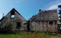 В Ровенской области от удара молнии загорелись дома