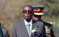 Мугабе передумал и хочет остаться президентом