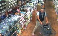 Неизвестный украл 55 бутылок элитного вина из супермаркета в США