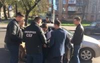 Высокопоставленных борцов с коррупцией задержали на взятке в Хмельницком