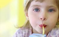 Ученые предупреждают – соки вызывают у детей ожирение