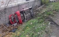 В Одессе дама на иномарке упала с моста
