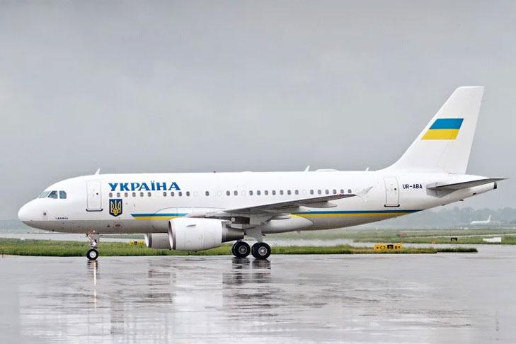 Зеленский снова летит в США с целой делегацией