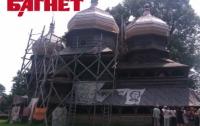На Львовщине презентовали лики святых на гигантских холстах (ФОТО)