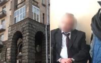 Задержали адвоката, который присвоил себе элитный офис