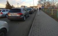 Украинцы не могут попасть в Венгрию из-за таможенников