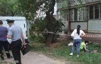 Харьковчанин, убегая от полиции, сорвался с балкона многоэтажки (видео)