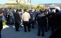 Аннексия Крыма: из Бахчисарая сообщили о стрельбе и арестах во время обысков