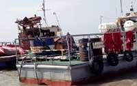 Выброшенное на берег в Одесской области судно не могут снять с мели (видео)