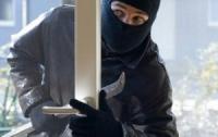 Иностранец пытался ограбить квартиру харьковчанки