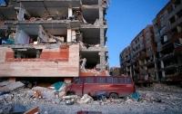 Число жертв землетрясения в Иране превысило 200 человек