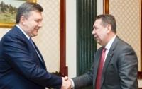Янукович обсудил с Коньковым будущее сборной Украины